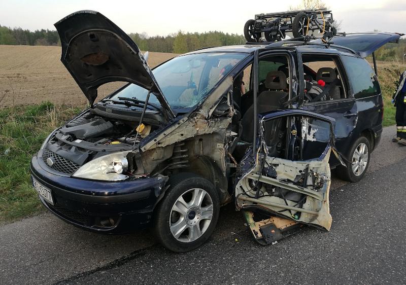 Wypadek drogowy w Czarnej Dąbrówce