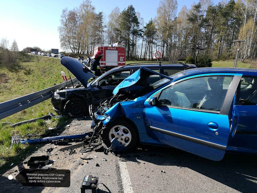 Wypadek drogowy w Rokitach